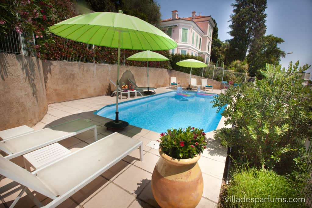 Villa des Parfums Pool
